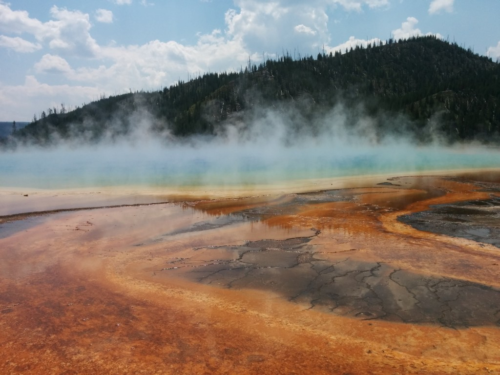 The Grand Prismatic Pool, in some of its glory.