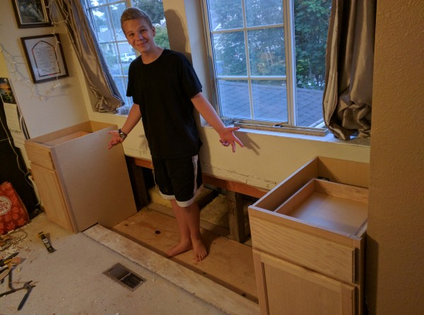 David shows off the two end-cabinets in his inimitable style.