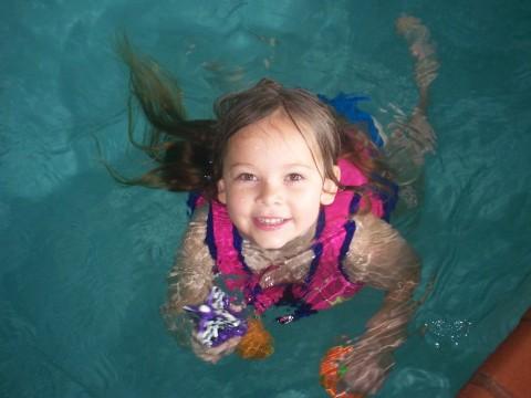 sarah swims