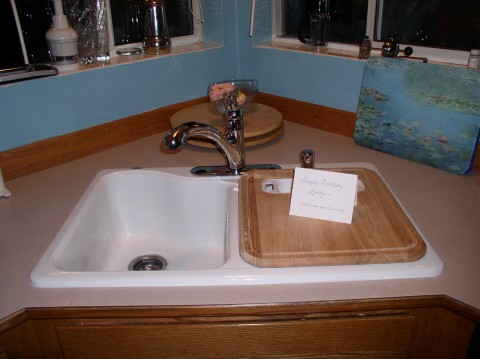 New sink and cool faucet
