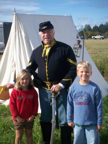 Photo op with a Union Cavalry officer